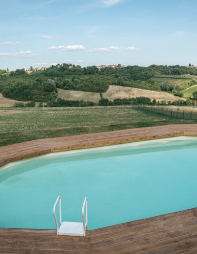 swimmingpool_sun_chianti